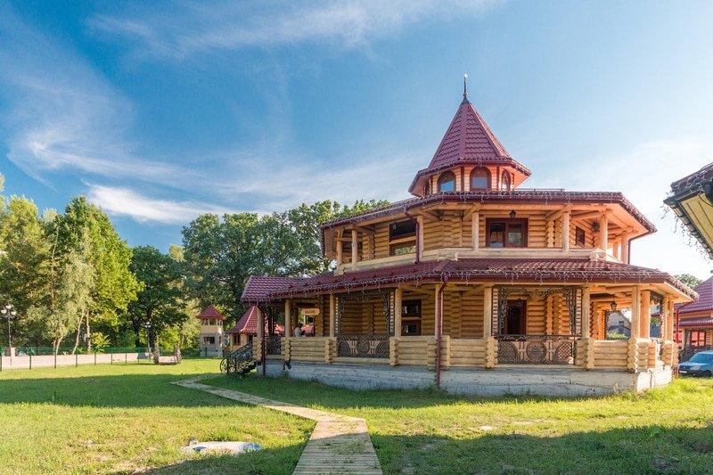 arenda doma pod kievom dlja vecherinki - Соби Клаб СПА (sobi club) или Fort Pirnov Park
