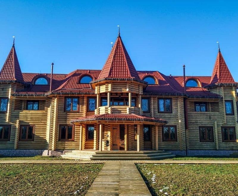 gostinica fort pirnov park e1582898469358 - Бутик-отель FORT PIRNOV PARK