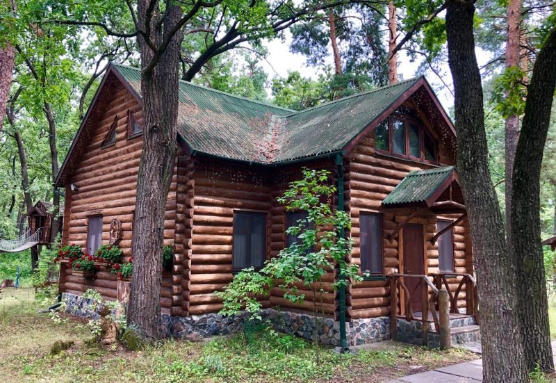 zagorodnyj kompleks lisotel  e1582899710573 - Базы отдыха под Киевом