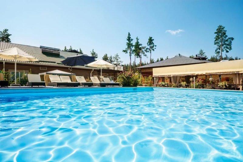 seasons spa boutique hotel e1584017649958 - Топ-5 загородных комплексов под Киевом