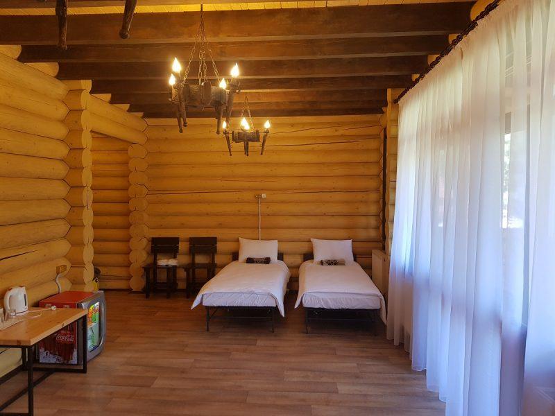 otel fort pirnov park e1593249874636 - Домики